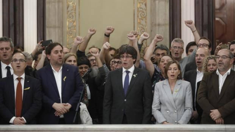 Los golpistas del 'Parlament' han cobrado más de un millón de euros cada mes