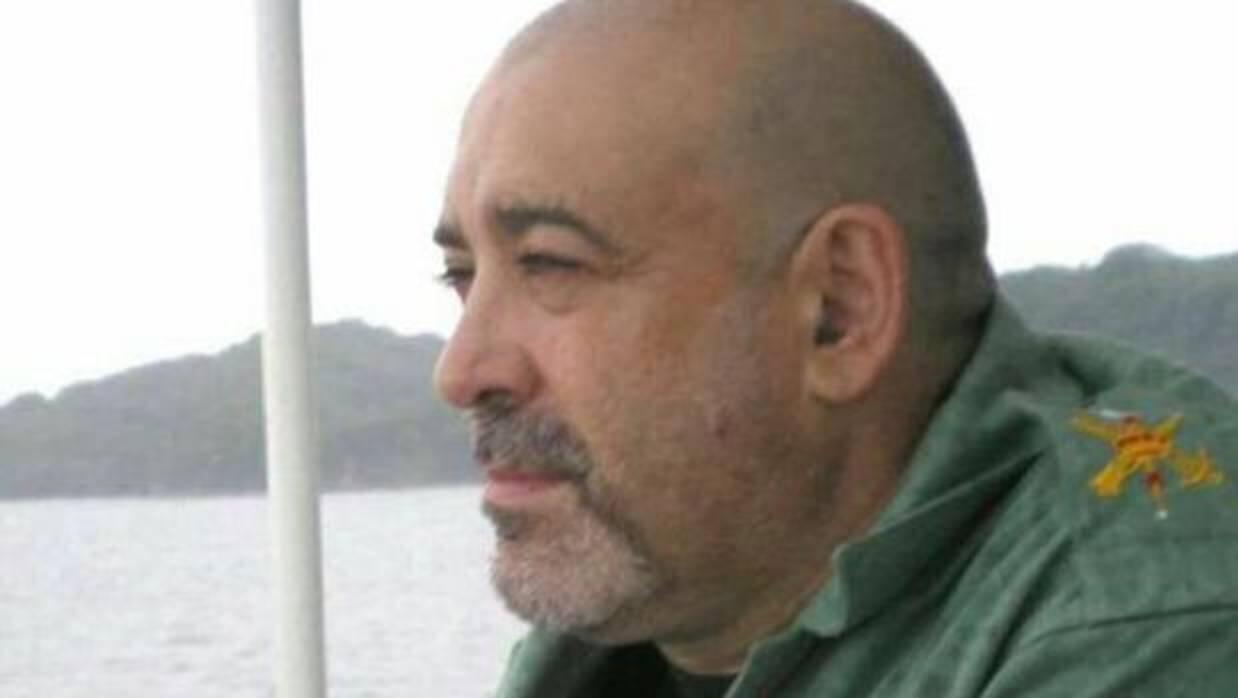Muere un hombre tras ser agredido por llevar tirantes con la bandera de España