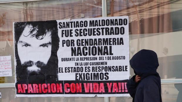 El hermano de Santiago Maldonado no logra identificar el cadáver encontrado en un río de Argentina