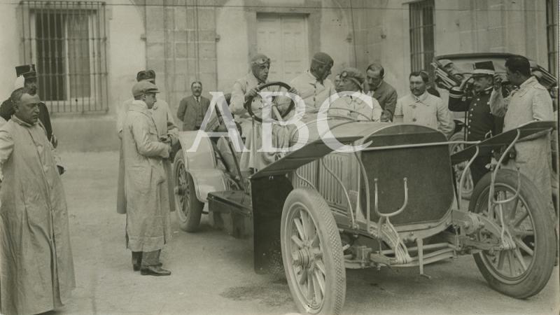 La pasión de Alfonso XIII por los automóviles