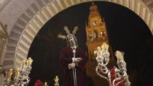 Estampas del Vía Crucis del Señor del Silencio a la Catedral de Córdoba