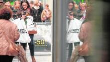 El «Black Friday» desata la locura por las compras en Sevilla