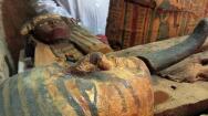 Importante hallazgo en Egipto de una tumba de la Dinastía XVIII con ocho momias