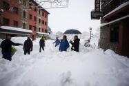 Más de un metro de nieve recibe en el Pirineo a la ola de frío siberiano