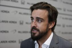 El primer día de Alonso en McLaren, en imágenes