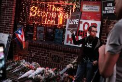 El mundo se solidariza con la comunidad gay tras la masacre
