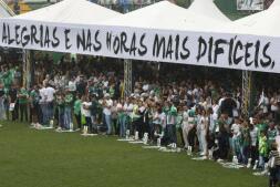 Brasil despide a las víctimas del accidente aéreo del Chapecoense, en imágenes
