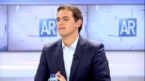 """Rivera a Sánchez: """"Si con 32 escaños hemos conseguido que el PP firmara políticas sociales, con 85 más"""""""