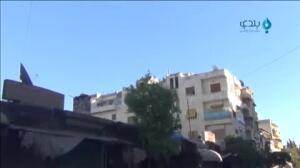 Un trabajador de los cascos blancos se derrumba al rescatar a una bebé de 30 días tras un bombardeo en Siria