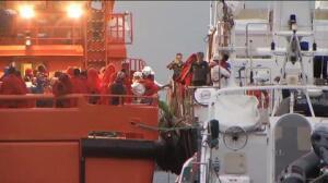 Llegan al puerto de Almería 42 migrantes rescatados en la isla de Alborán