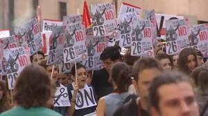 Padres y estudiantes salen a la calle en contra de la reválida