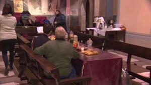 Una iglesia de Barcelona protege a los 'sin techo' del frío
