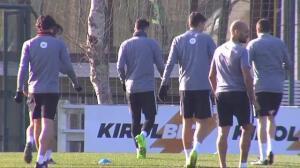 Kepa Arrizabalaga hace ya trabajo de portería en Lezama