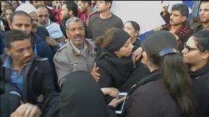 La población copta protesta ante el mayor atentado desde 2011