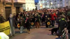 Multitudinaria manifestación contra la reapertura de Garoña