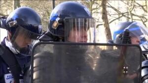 Fuertes disturbios en Nantes durante un acto de protesta contra Le Pen