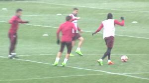 El Atlético se entrena bajo la nieve