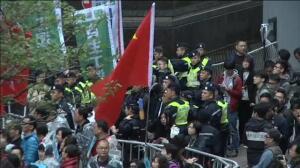 Miles de hongkoneses piden un sistema abierto para elegir al jefe del ejecutivo