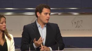 """Rivera se niega a poner """"cordones sanitarios"""" al PP"""
