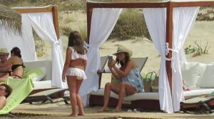 Paula Echevarría, vacaciones con Daniella en Chiclana