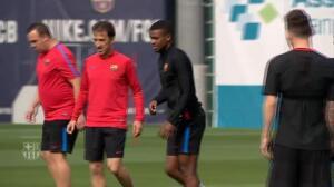 El Barça entrena antes de viajar a Portugal