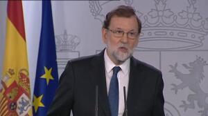 Rajoy anuncia el cese como president de Carles Puigdemont y de todo el Govern de Cataluña