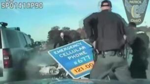 Roba el coche a su madre y huye de la policía a 160 km/h con tan solo 10 años