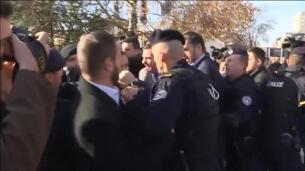 Detenido en Kosovo el líder de la oposición por usar gas lacrimógeno en el Parlamento