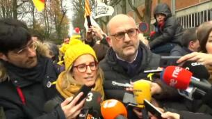 Los independentistas llenan Bruselas de amarillo y esteladas